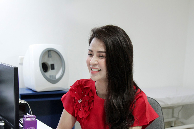Làn da sáng mịn, đều màu của DV Thu Trang sau 3 tháng sử dụng BSP Vương Phi