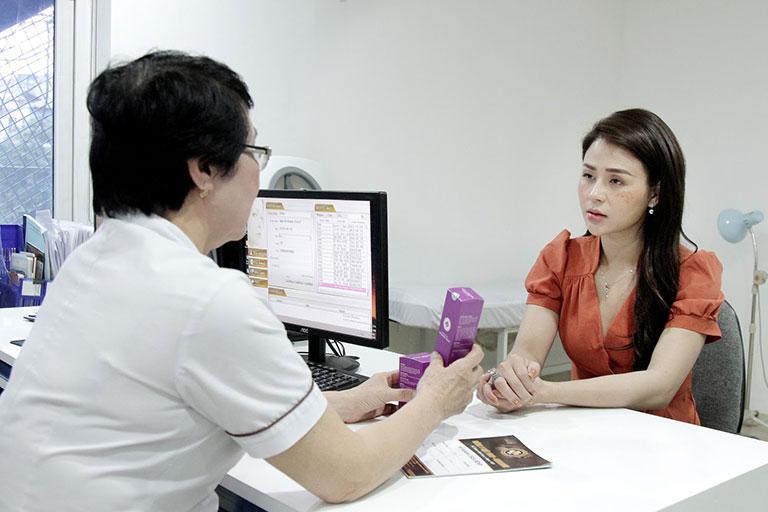 Thu Trang tìm đến Viện Da liễu Hà Nội - Sài Gòn với tình trạng nám hỗn hợp và tàn nhang