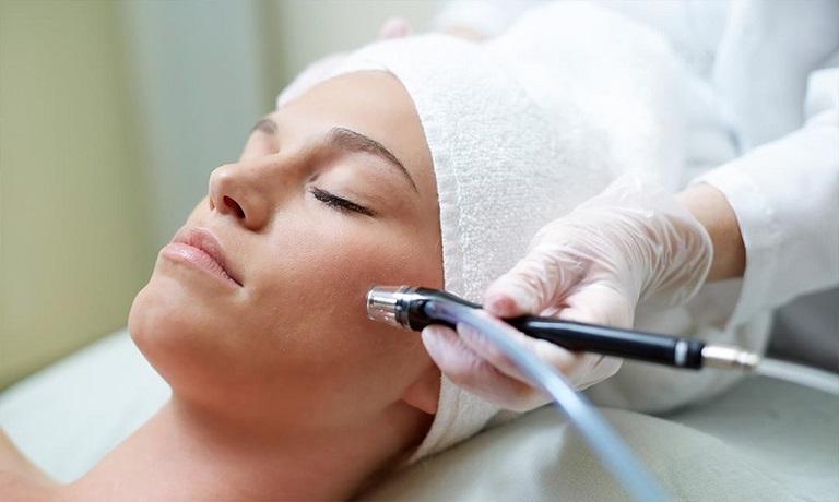 Tách đáy sẹo rỗ là phương pháp giúp trị sẹo hữu hiệu nhất hiện nay