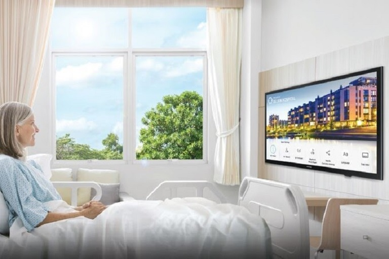 Dòng TV chuyên dụng hiện đại hỗ trợ bệnh nhân giải trí