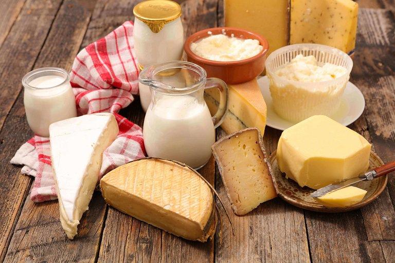 Trong quá trình điều trị da bị nhiễm Corticoid, người bệnh nên ngưng sử dụng sữa động vật, bơ và mayonnaise