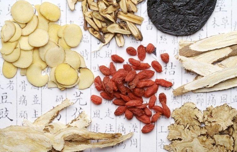 Các bài thuốc Đông y giúp trị mụn tận gốc không lo tái phát