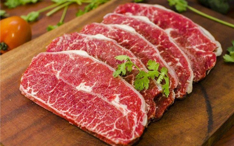 Bạn nên hạn chế sử dụng thịt bò trong thời gian điều trị tàn nhang