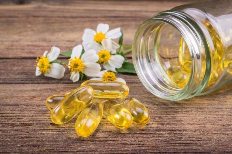 Vitamin E giúp làm mờ vết chàm, dưỡng da mềm mịn