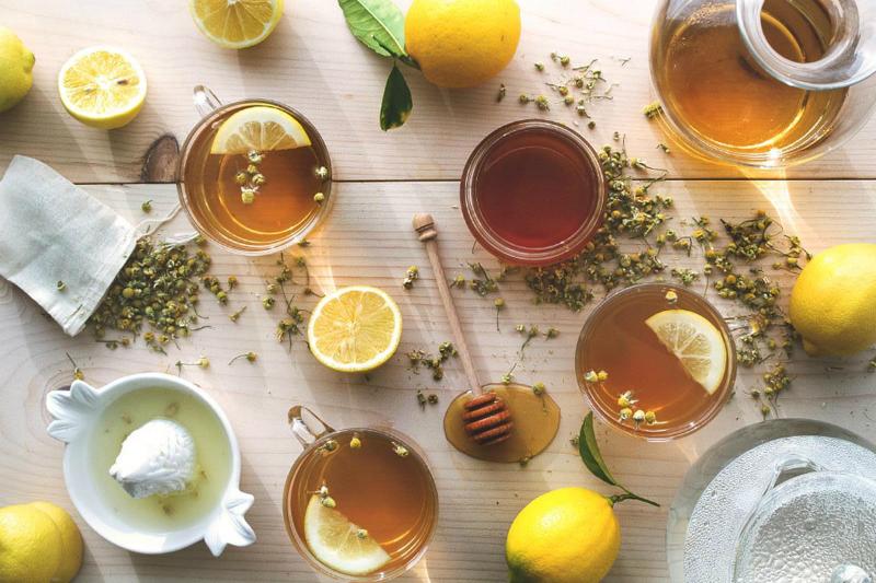 Chanh tươi, mật ong, dầu dừa là những nguyên liệu có tính kháng viêm và giàu chất chống oxy hóa
