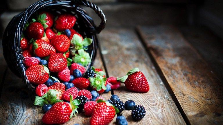 Những loại trái cây mọng nước là thực phẩm bạn nên sử dụng khi bị viêm nang lông
