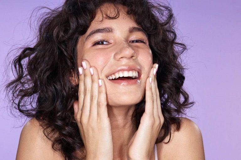 Làm sạch da là bước chăm sóc quan trọng sau điều trị