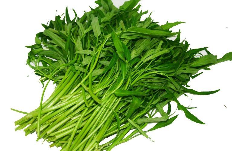 Người bệnh nên kiêng ăn rau muống