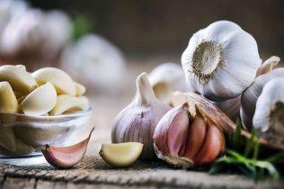Bật mí 5 cách chữa viêm da cơ địa bằng tỏi đơn giản tại nhà