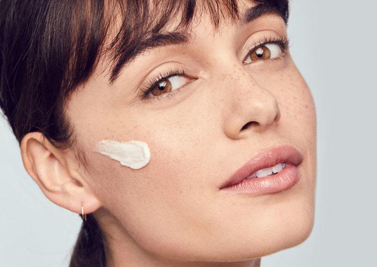 Chăm sóc da sau khi xóa sẹo lõm trên mặt là bước vô cùng quan trọng