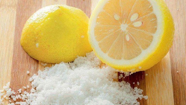 Muối và chanh giúp hỗ trợ điều trị viêm lỗ chân lông