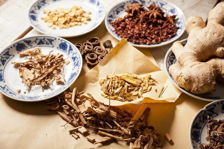 Bài thuốc Đông y chữa nám, tàn nhang do khí hư mang lại hiệu quả cao người bệnh